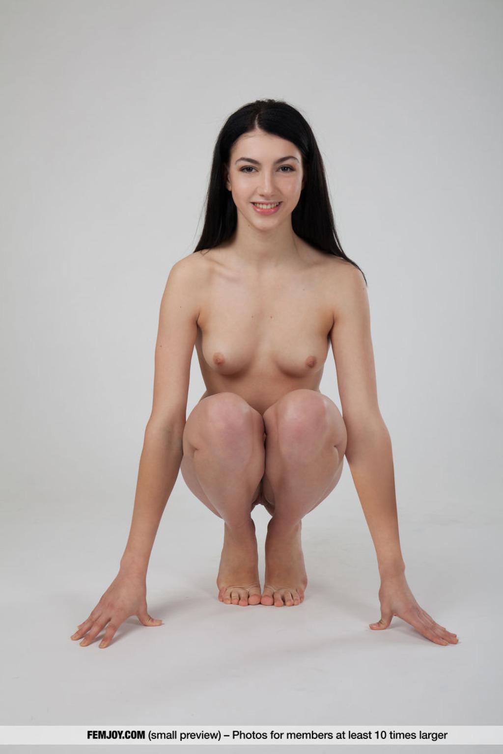https://content3.wantedbabes.com/femjoy.com/13019/05.jpg