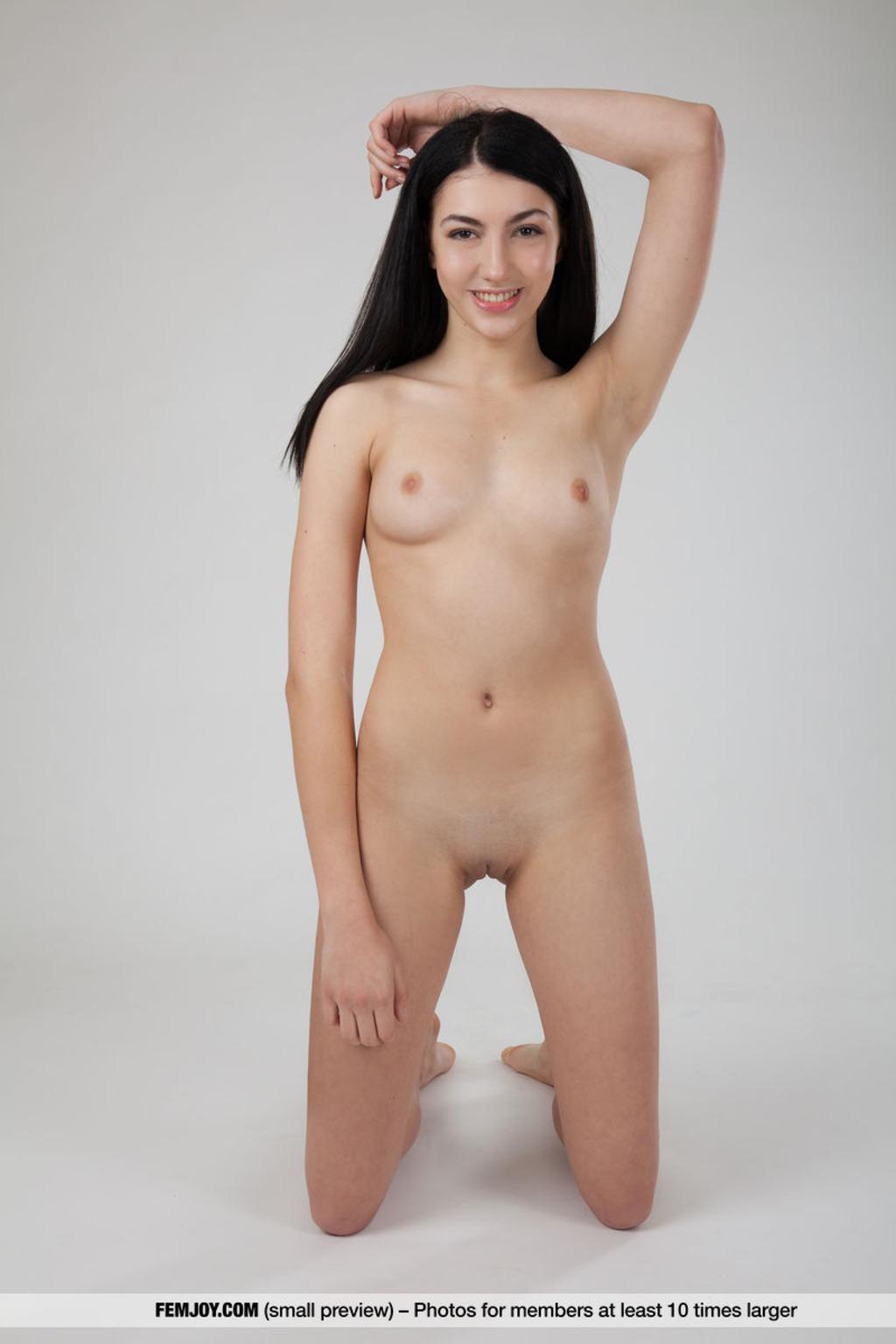 https://content3.wantedbabes.com/femjoy.com/13019/06.jpg